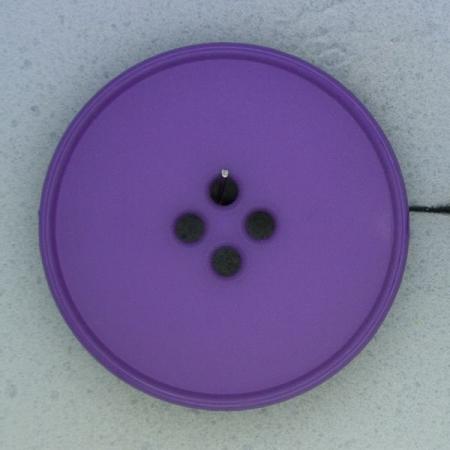 Ref000407 Botón Redondo en colores morado y  lila