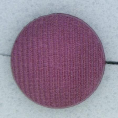 Ref000308 Botón Redondo en colores burdeos y  morado